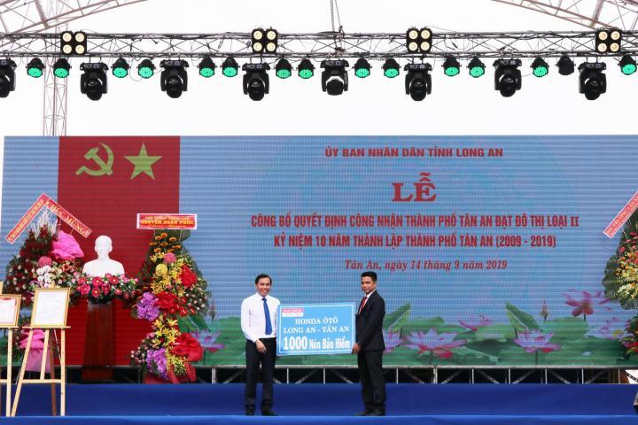 Tập Đoàn Phát Tiến vinh dự nhận bằng khen từ UBND tỉnh Long An