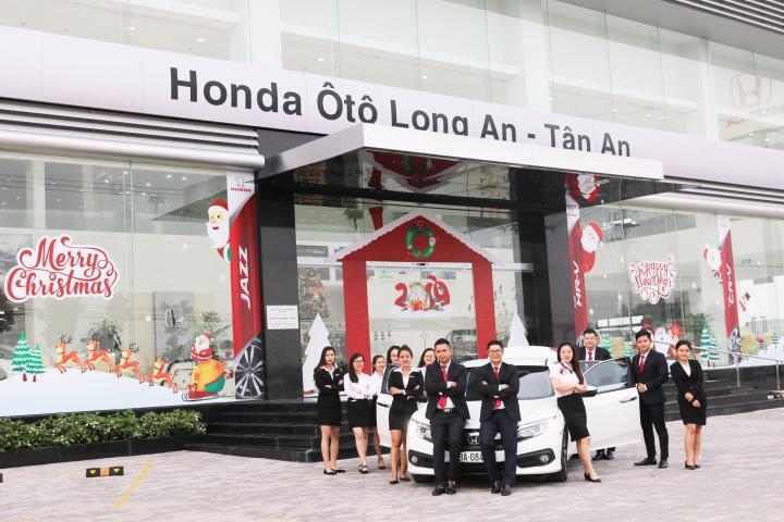 Showroom Honda Ôtô Long An rực rỡ sắc màu giáng sinh